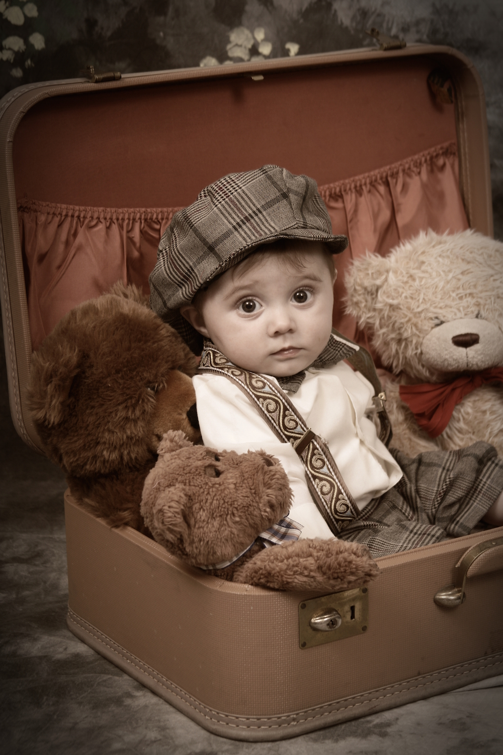 Top 10 Tips for Stress-Free Moving With Kids - Let Them Pack a Special Suitcase