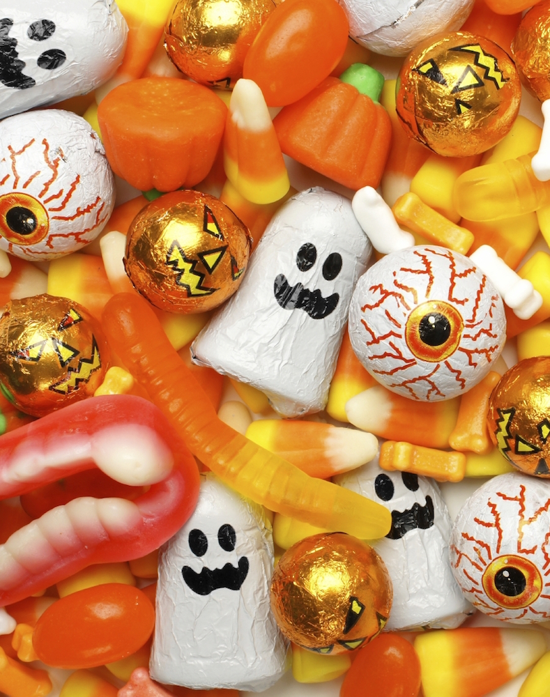 6 Reasons to Have an Apartment Wide Trick-or-Treating Party - Fast Candy