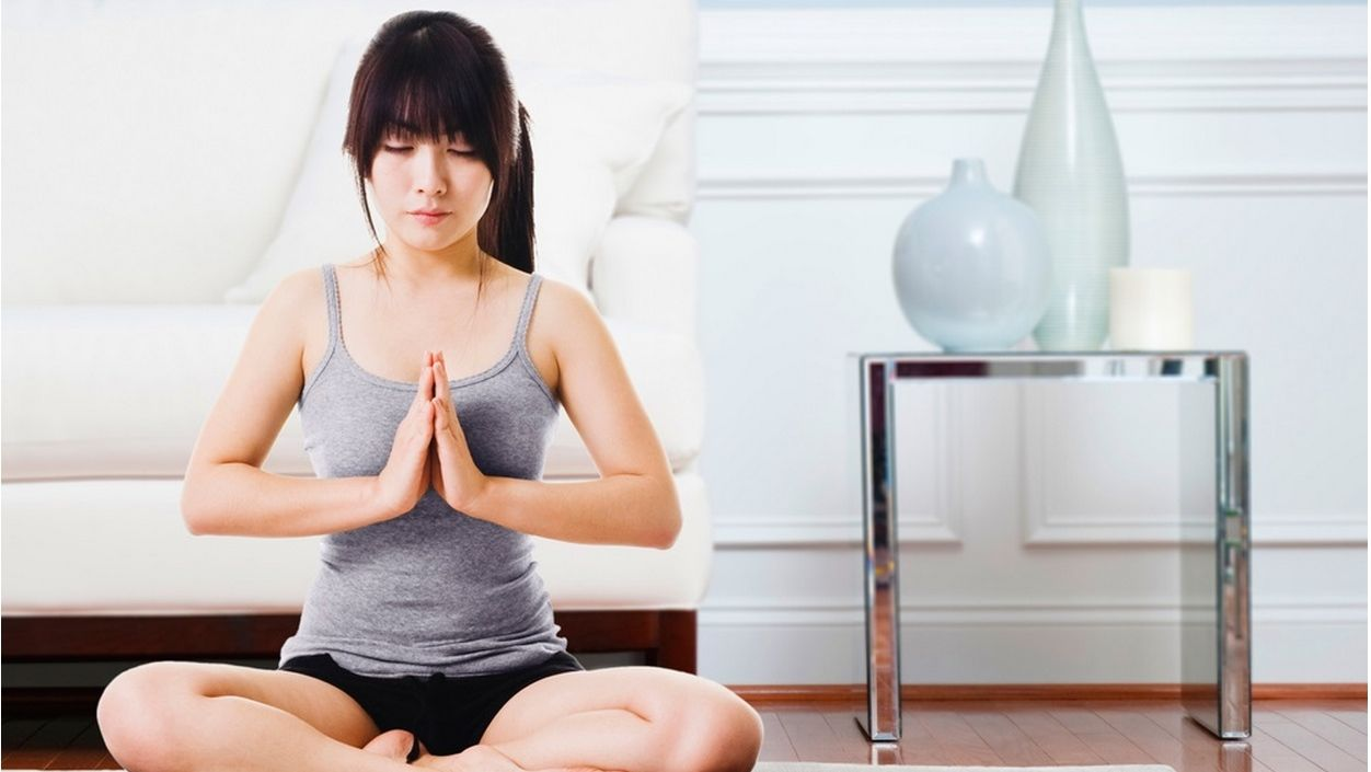 How to Create a Yoga Studio in Your Apartment
