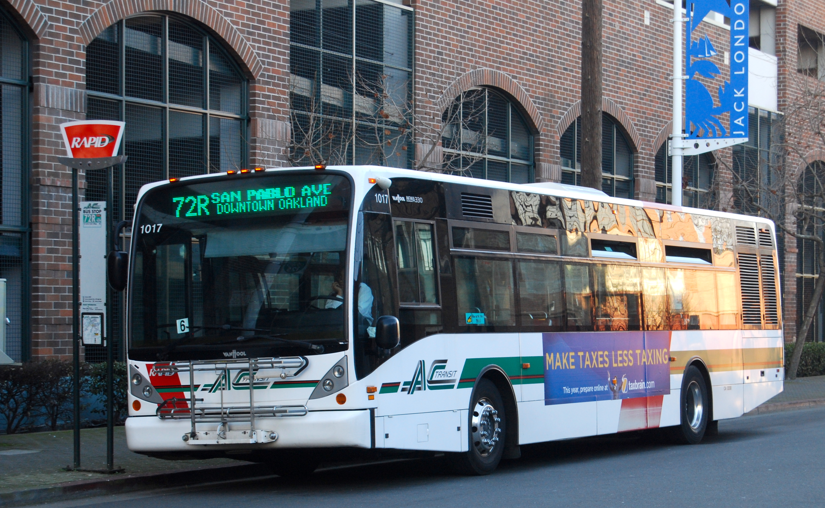 Your Guide to Commuting in San Francisco - AC Transit