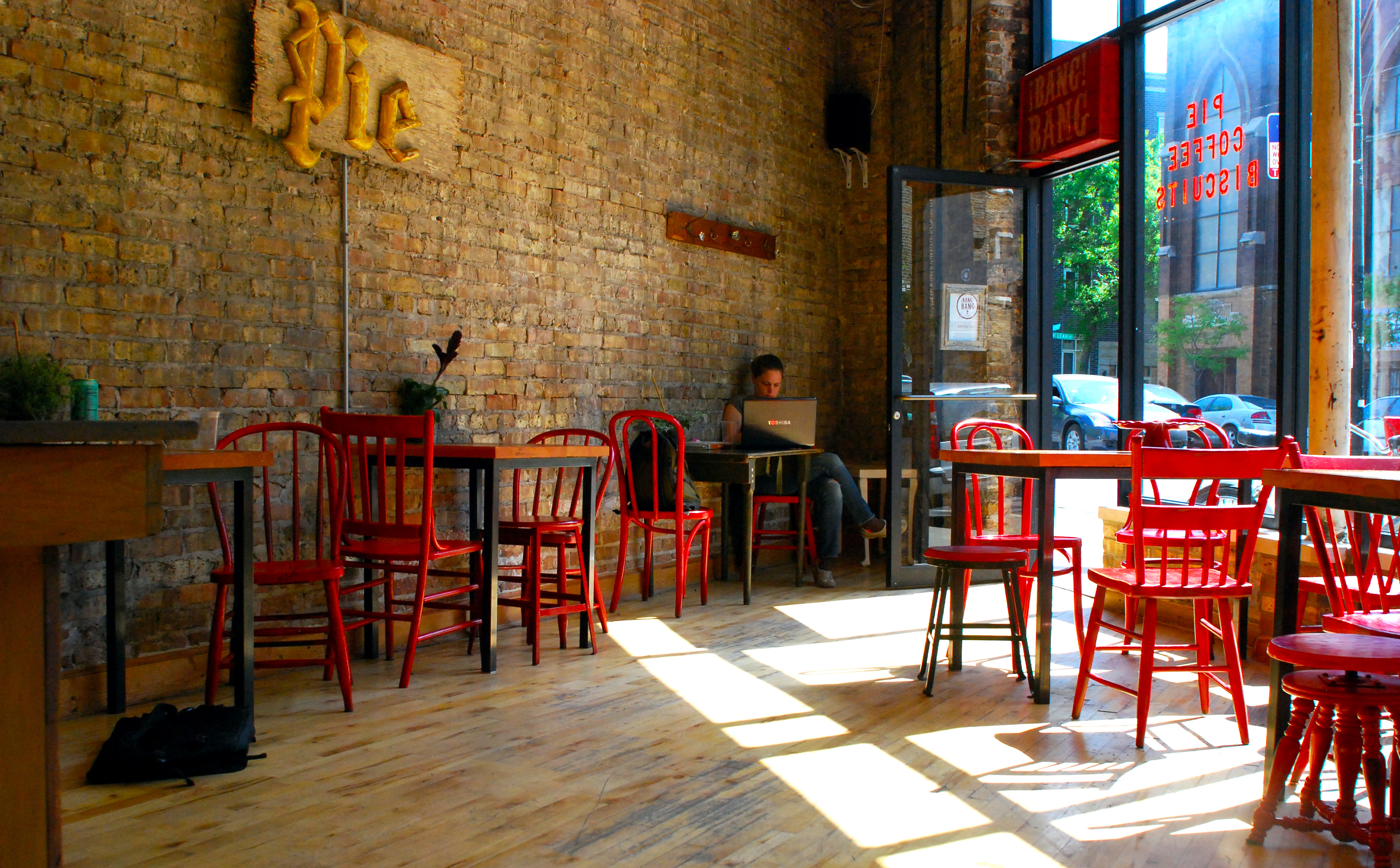 7 Affordable First Date Ideas in Chicago - Bang Bang Pie Shop