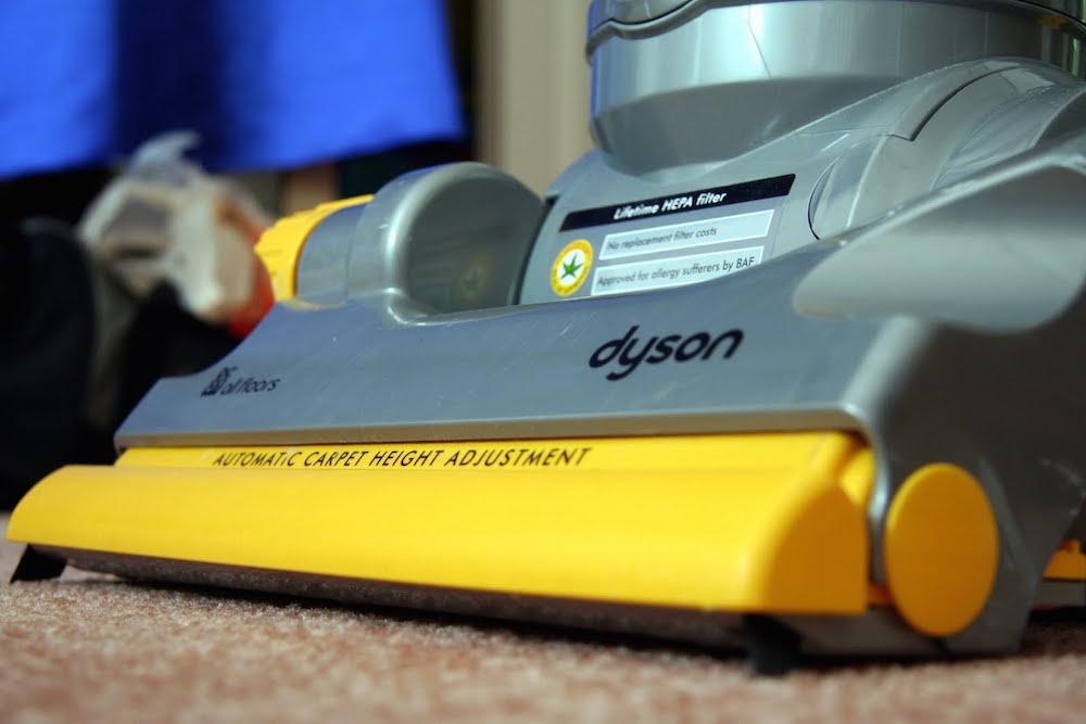 Household Chores that Burn Calories - Vacuuming