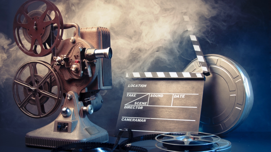 Create A Vintage Movie Theater In Your Living Room