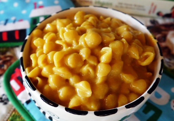 Easy Crockpot Recipes for Fall - Mac and Cheese
