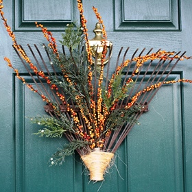 DIY Fall Wreath Ideas - Rake Wreath