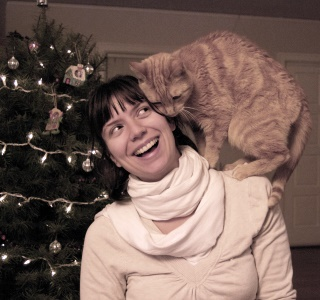 Holiday Card Ideas - Cat on Shoulder