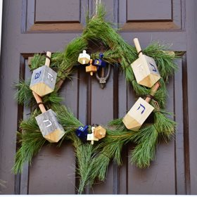 Holiday Decorating: Chaunkah Wreath