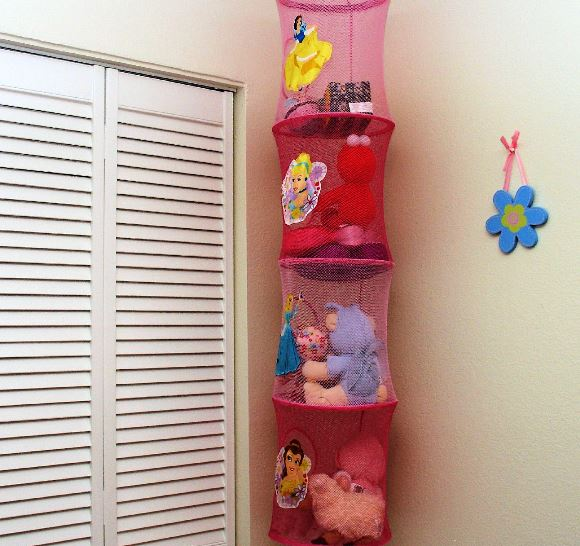 3 Stylish Storage Ideas For a Kid's Room  - Hanging Shelves