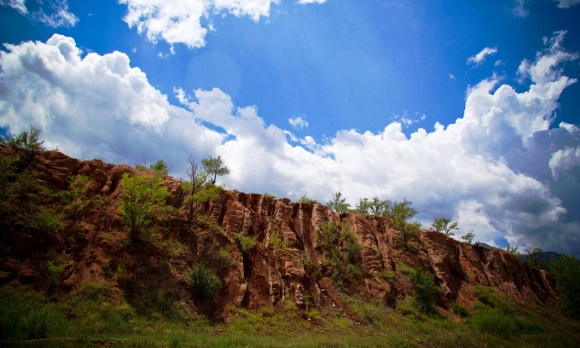 Best Spring Activities in Colorado Springs - Hike Red Rock Canyon