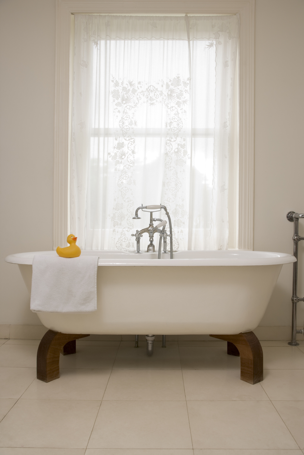 Easy Spring Decorating Ideas for an Updated Look - Replace the Bathoom Accessories