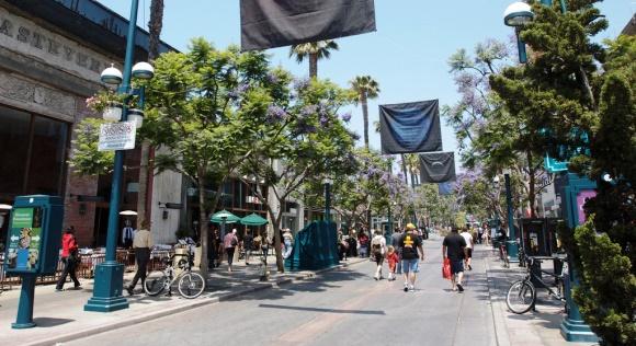 Spring in LA - Third Street Promenade