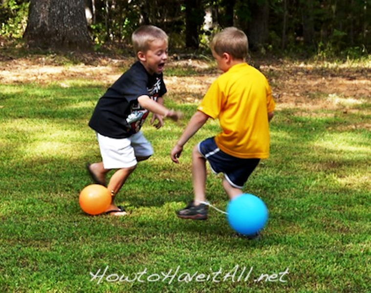 11 Boredom-Busting Summer Activities for Kids - Balloon Fun