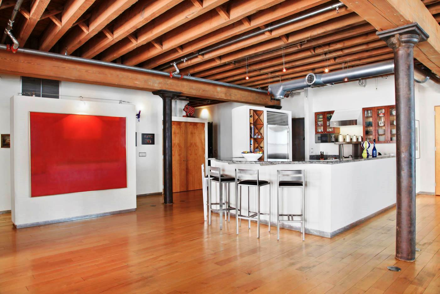 Get the Look Orlando Bloom's New NYC Apartment - Industrial