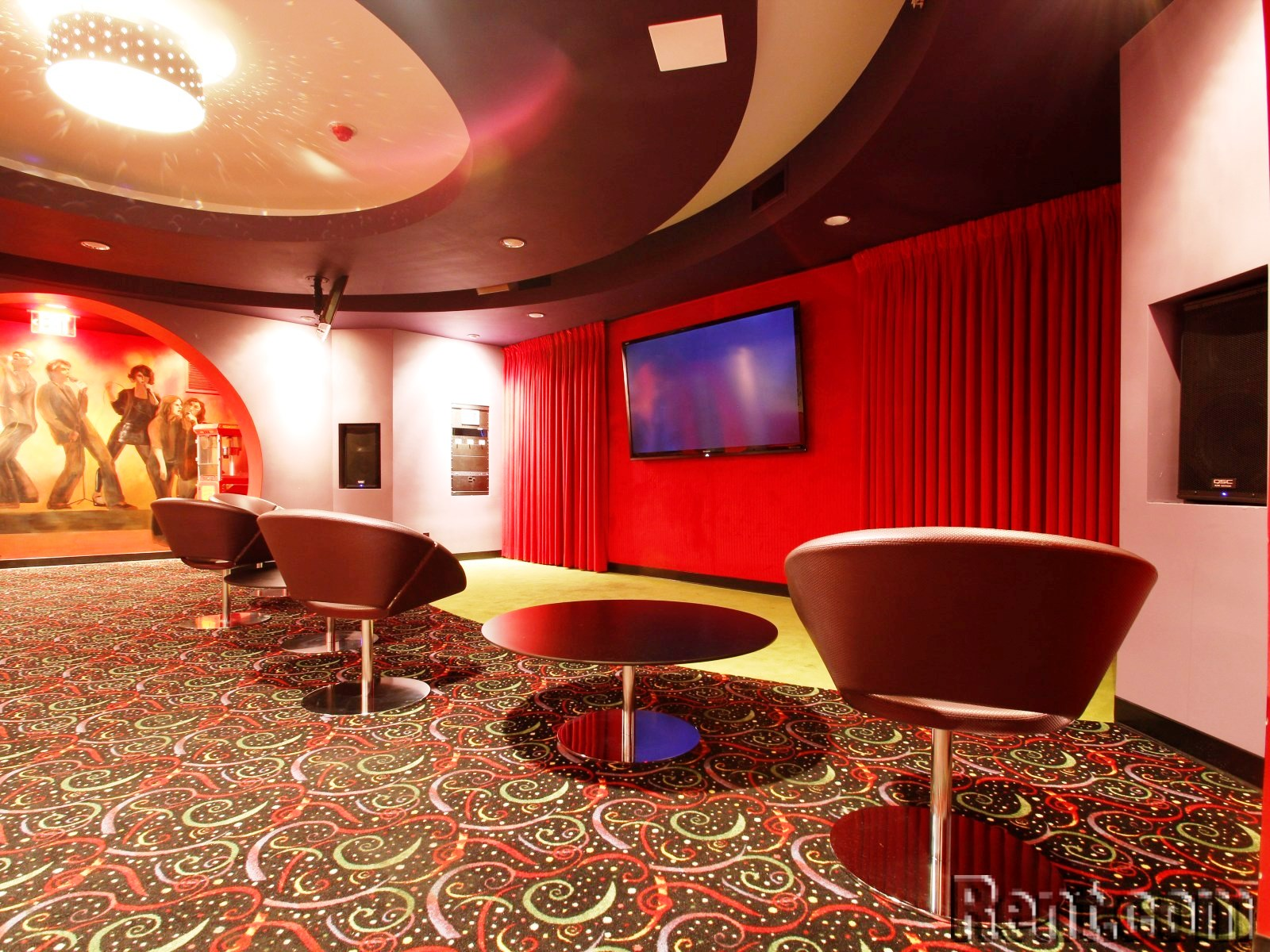 The Top 10 Most Baller Amenities at Luxury Apartments - Movie Theater