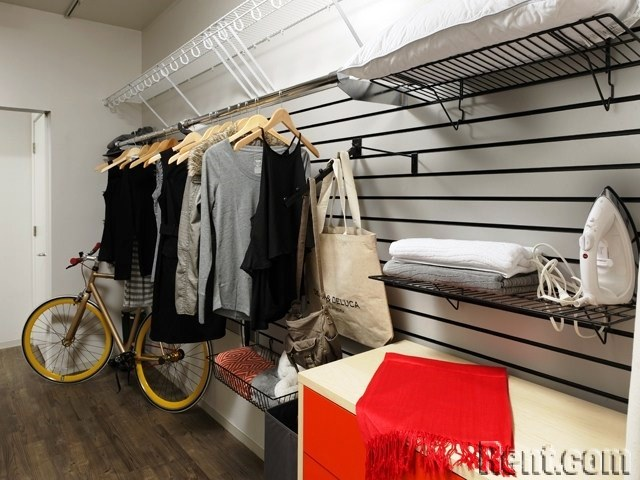 Washington, D.C. Apartment Buildings Targeting Millennials - Avalon Bay - Closets