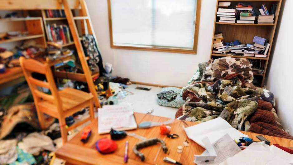 8 Signs Your Might Be a Hoarder