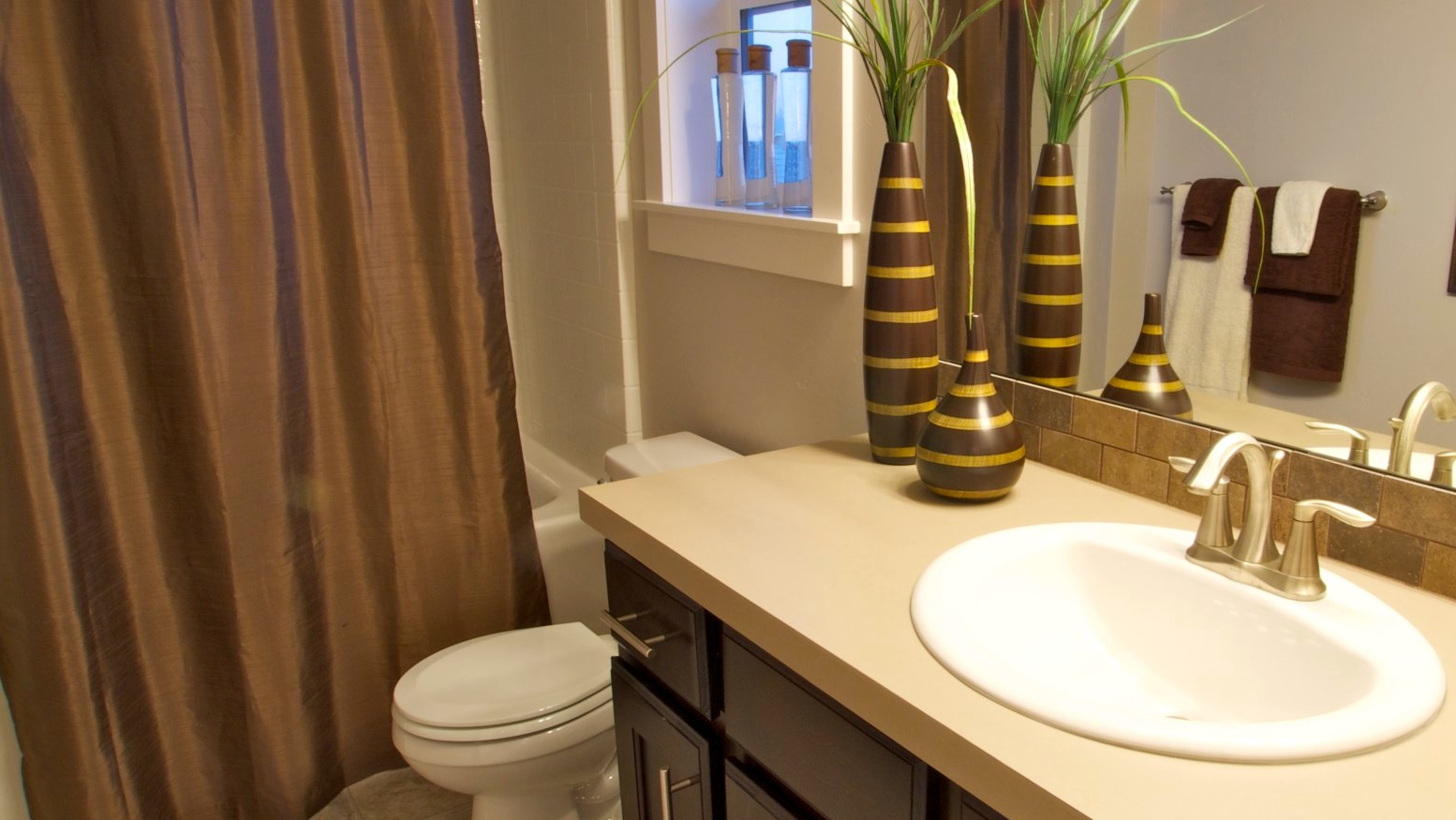 Bathroom storage ideas rental with innovative blue accent for Bathroom designs for small spaces south africa