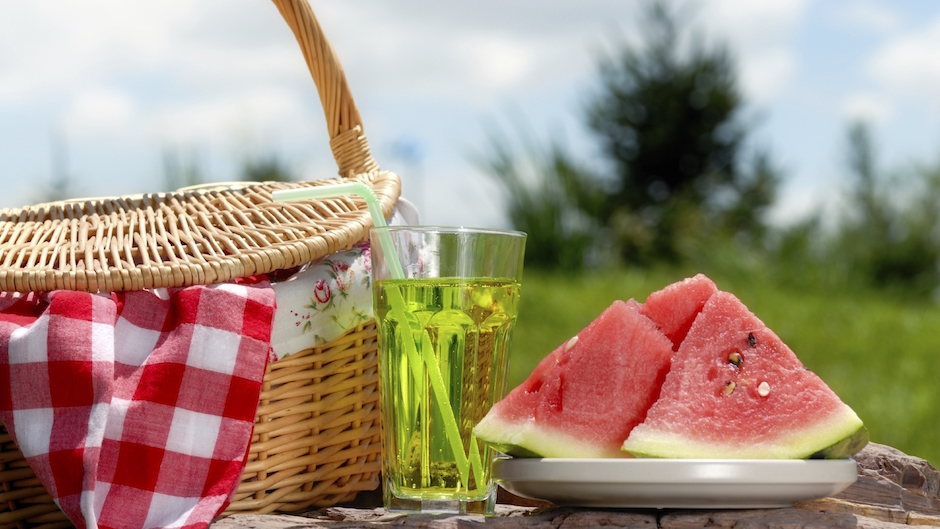 Up your summer picnic game blog for Picnic food ideas for large groups