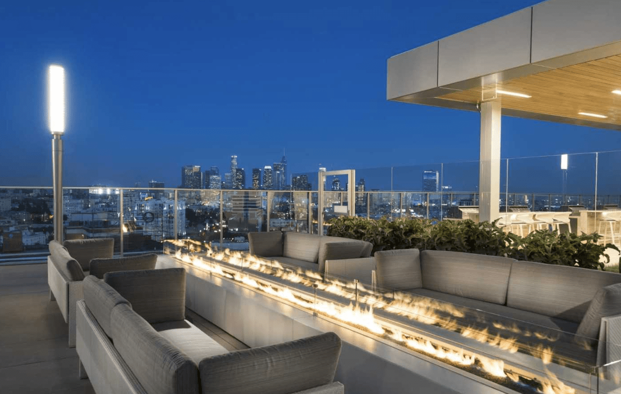 rooftop at 3033 Wilshire