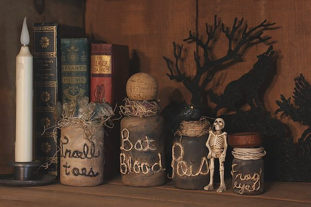 DIY poison bottles halloween