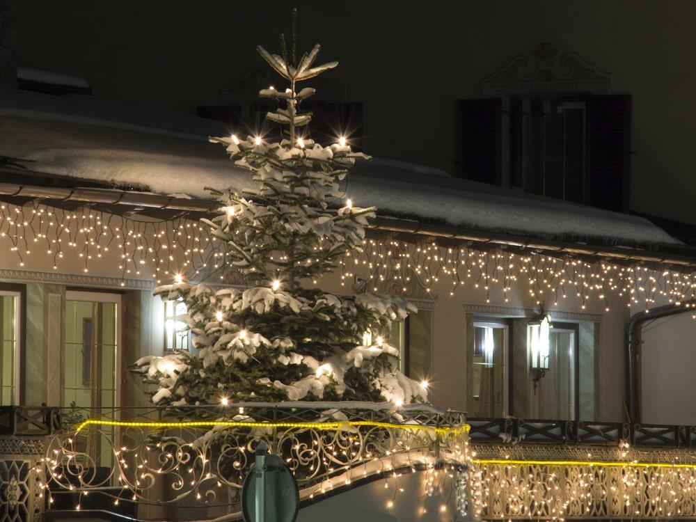 christmas tree on balcony
