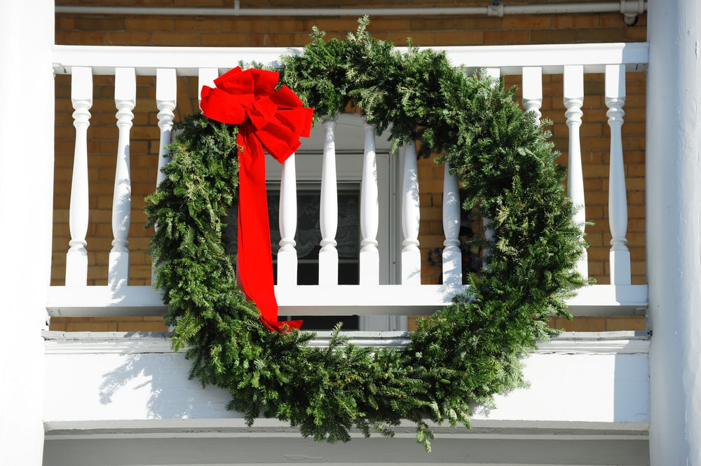 6 Festive Ways To Decorate Your Balcony For The Holidays Rent Blog
