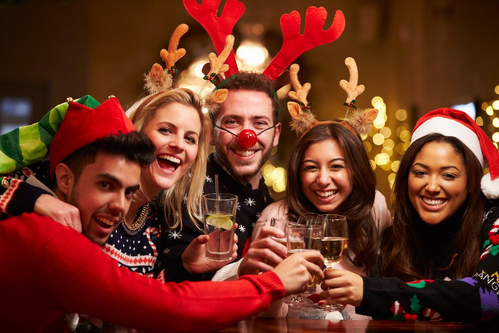7 Holiday Party Mistakes to Avoid This Season