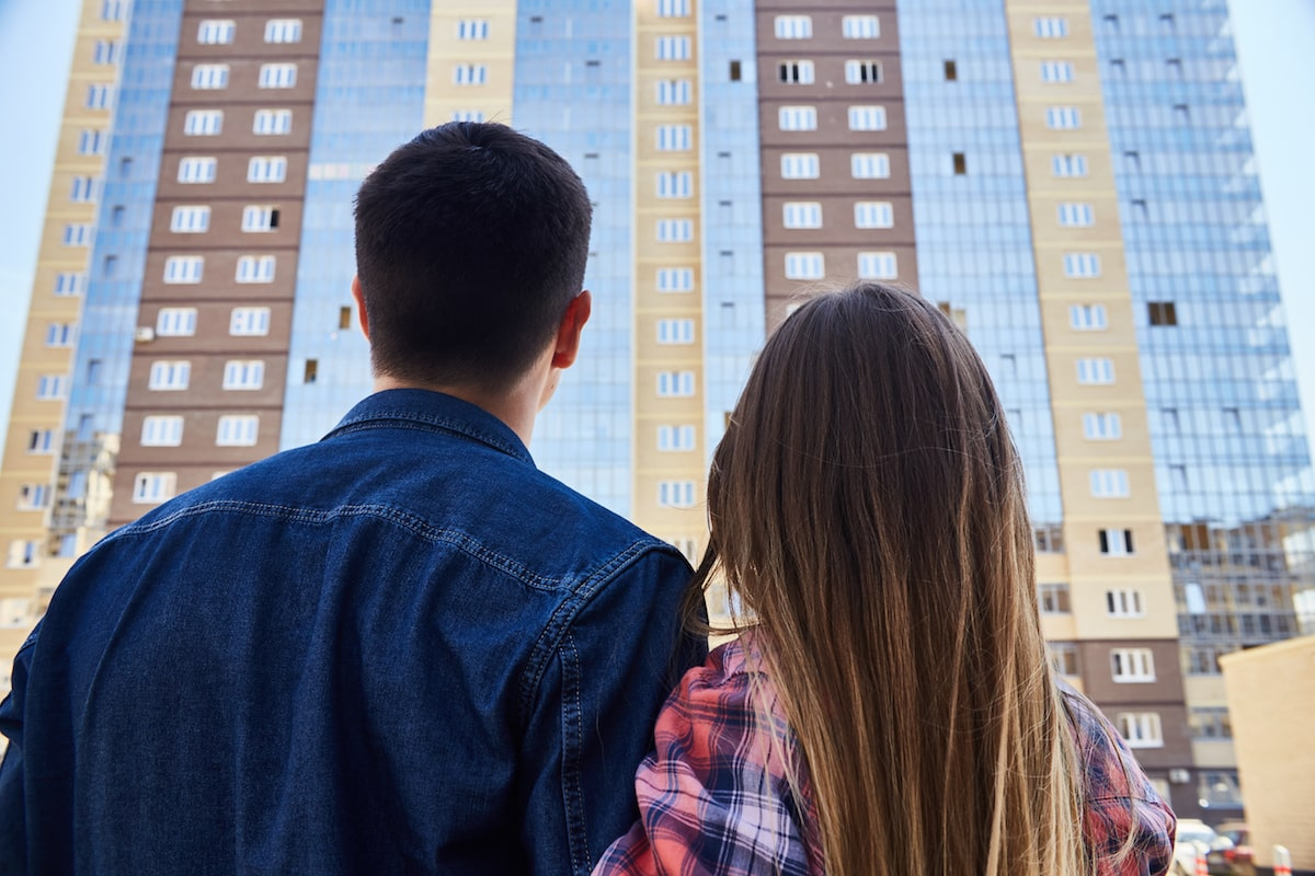 couple looking at an apartment