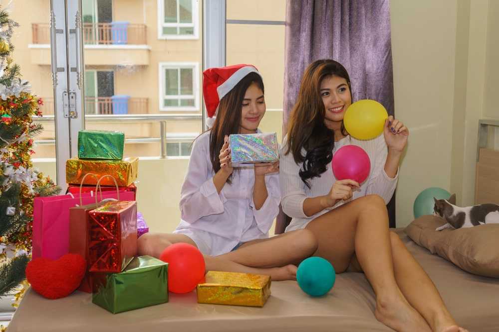 Best Christmas Gifts to Give Your Roommate
