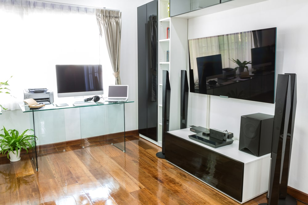 How to Build a Home Theater in an Apartment