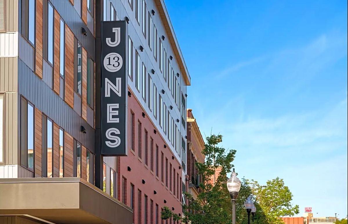 Jones 13 Omaha