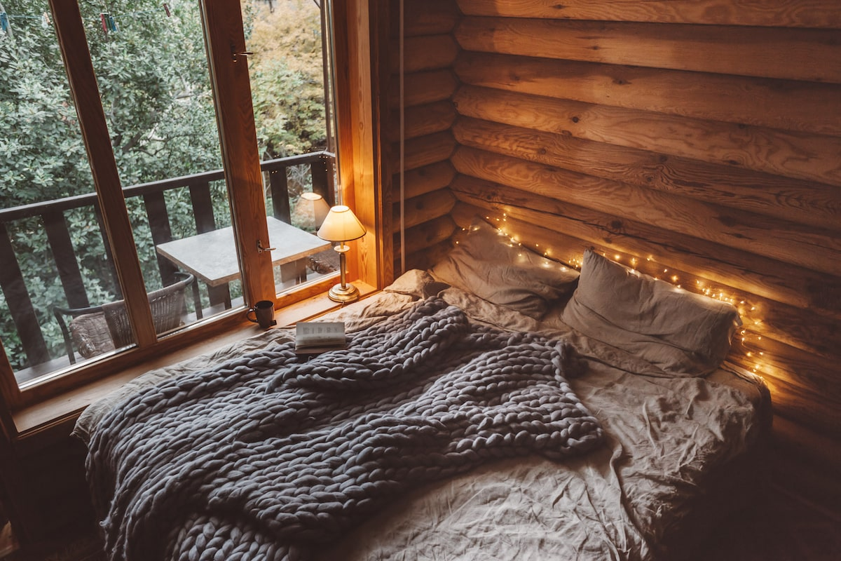 bedroom hygge