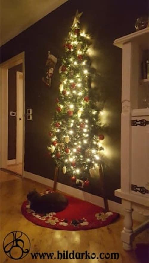 flat Christmas tree