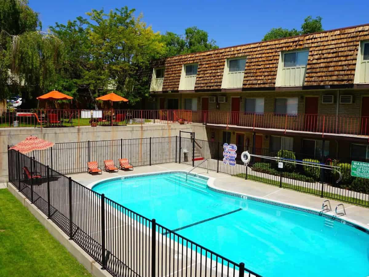 Country Club Villas Apartments in Reno, NV