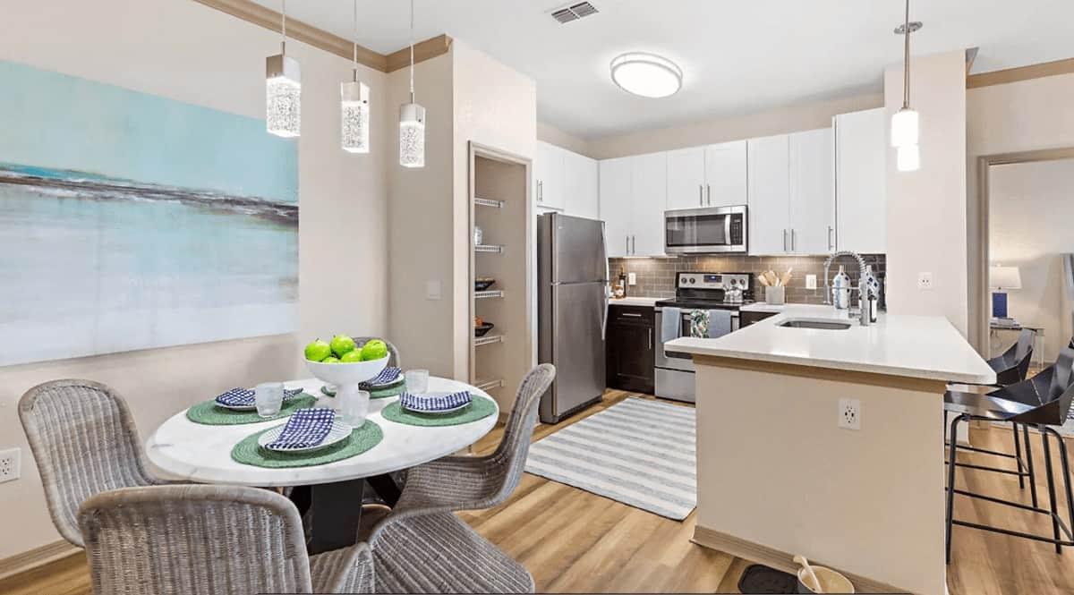 apartments for rent Savannah at Park Central, Orlando, FL