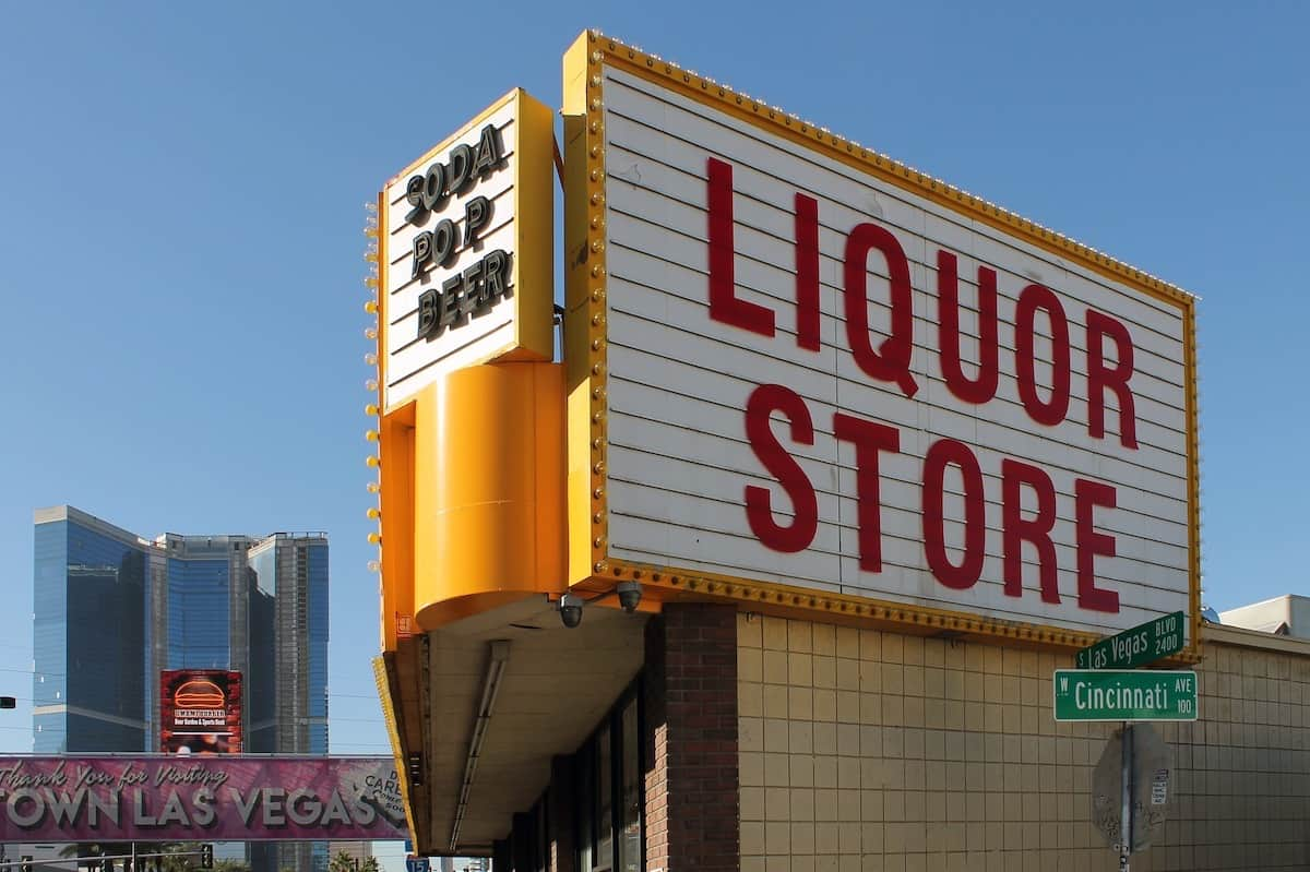 best places to get moving boxes liquor store