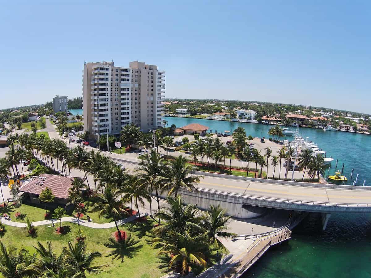Deerfield Beach, FL rent to income ratio