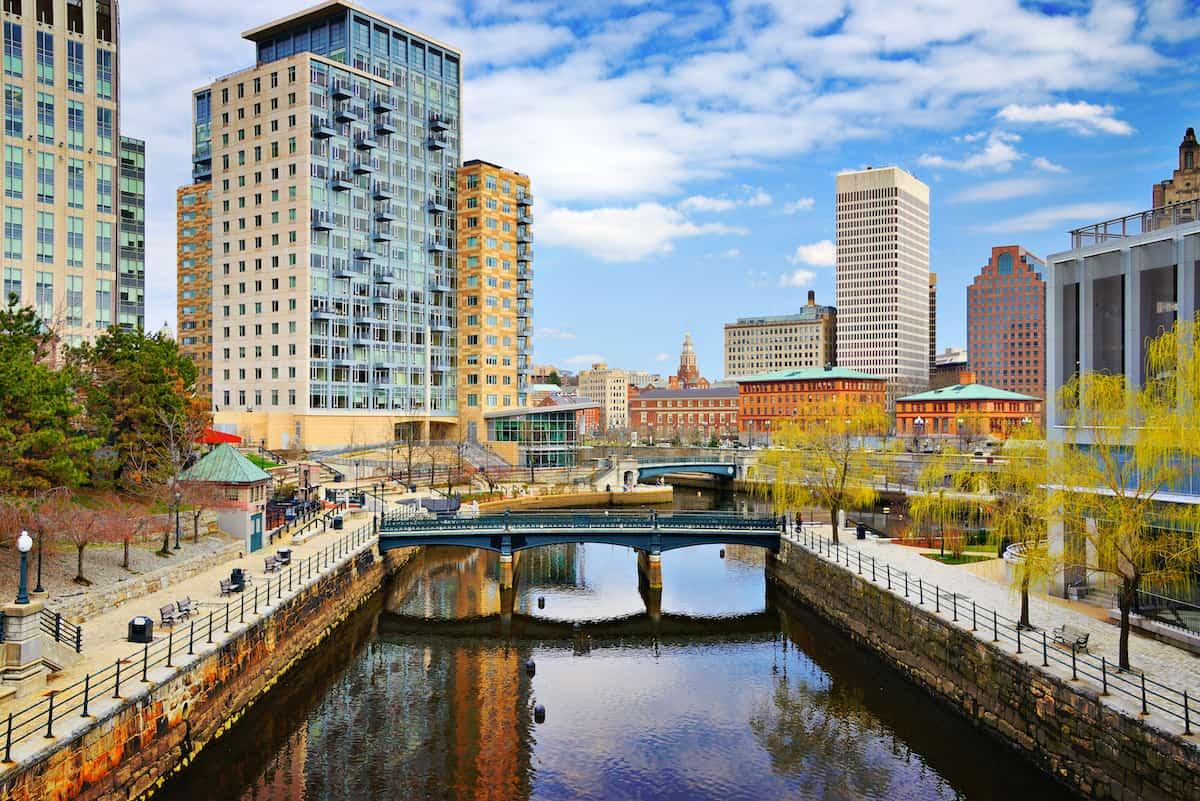 Providence, RI rent to income ratio