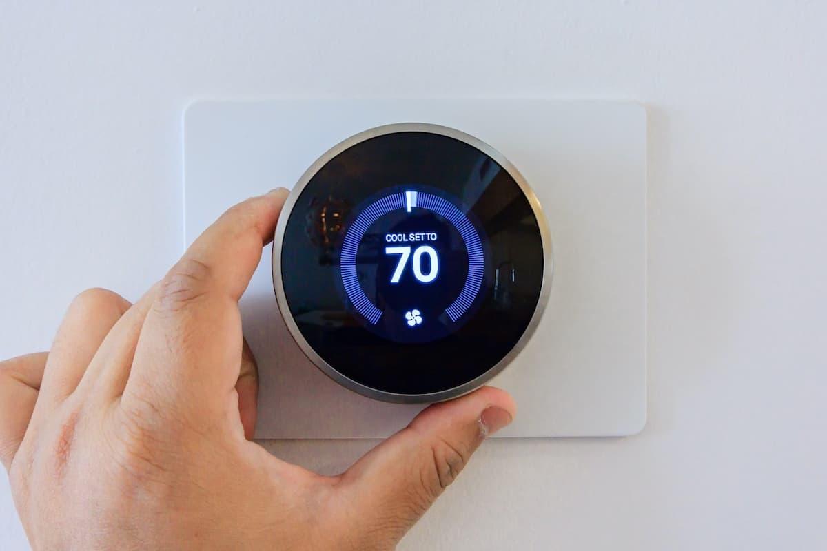 apartment gadgets Digital thermostat