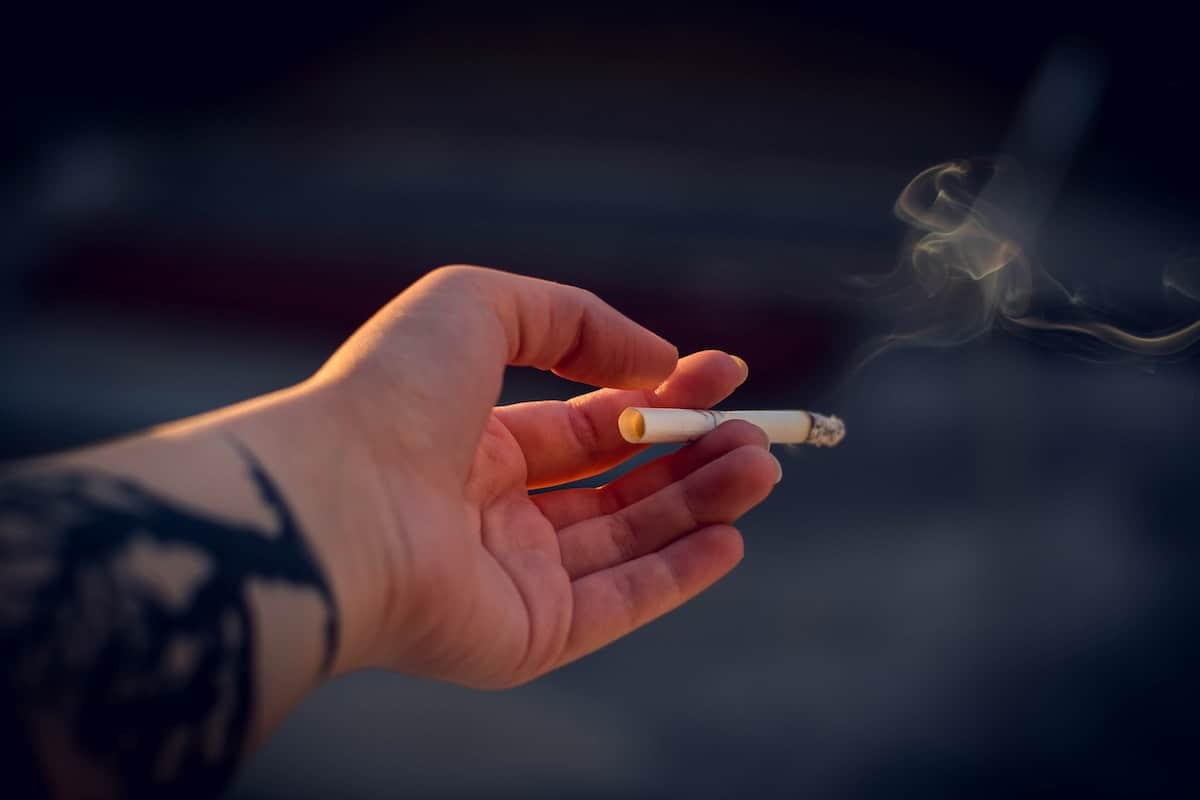 signs your roommate doesn't like you smoking